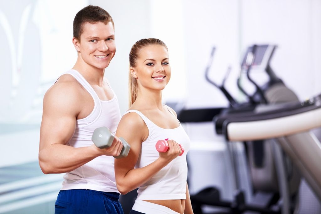 Чем больше человек занимается спортом, тем менее склонным к получению травм он становится, так как у него развивается осанка, равновесие и сила