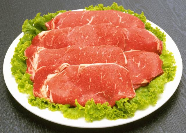 Стейки, рыбу и куриное мясо предпочтительно готовить на гриле с минимумом жира