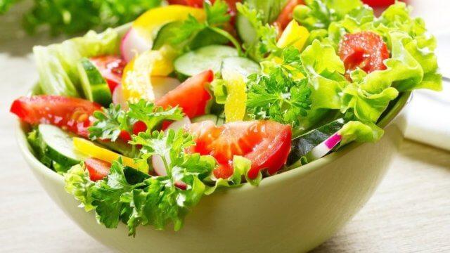 Домашний салат из овощей