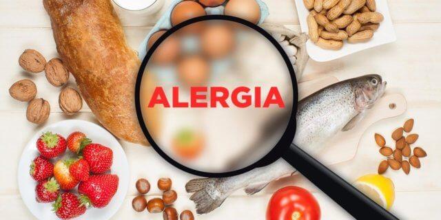 Когда аллерген определен, врач начнет вводить в рацион понемногу наименее аллергенные продукты