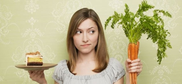 Оказывается, именно запрет на какие-либо продукты чаще всего приводит к перееданию