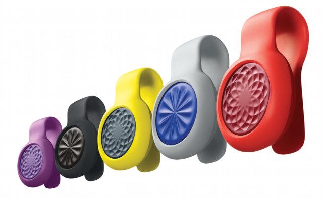 Зато теперь фитнес-трекер можно размещать не только на руке, но и на любой одежде благодаря специальной конструкции