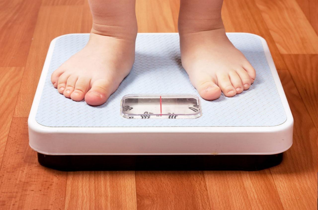 Для профилактики ожирения человеку с нормальным весом достаточно тратить калорий и энергии столько, сколько он получает их в течение суток