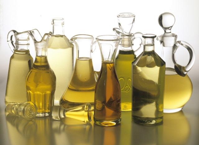 Особенно осторожно нужно употреблять внутрь — эфирные масла