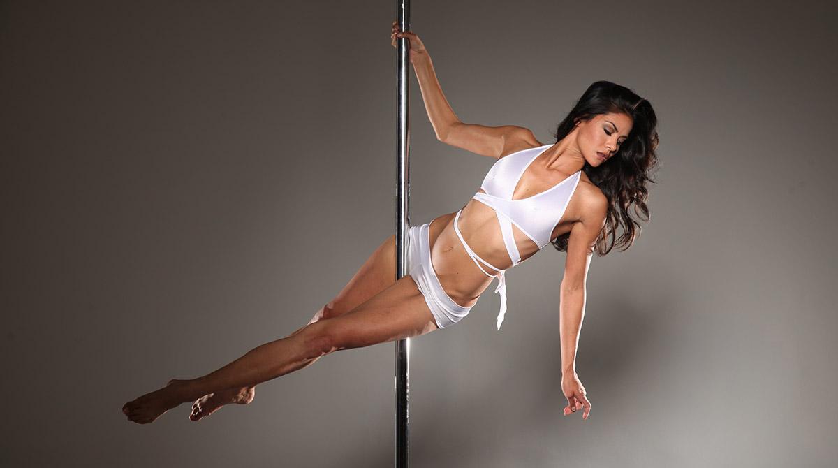 Существует условно два вида пол дэнса – это pole dance fitness и pole dance exotic