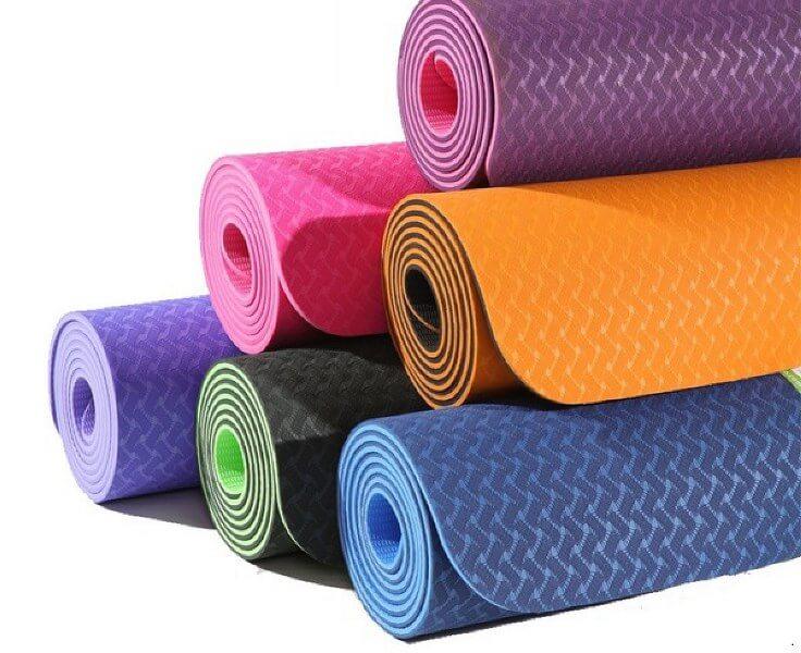Коврик для фитнеса, а также йоги