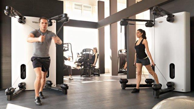 С помощью таких занятий можно эффективно прорабатывать все группы мышц