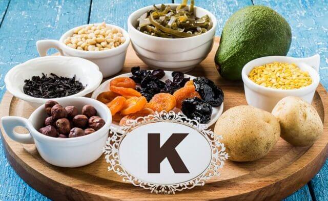 Кетогенная диета — низкоуглеводный режим приема пищи, который включает умеренное потребление белка и большое количество здоровых жиров